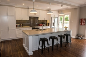 Polyurethane-shaker-kitchen-glass-splash-back-Lindfield